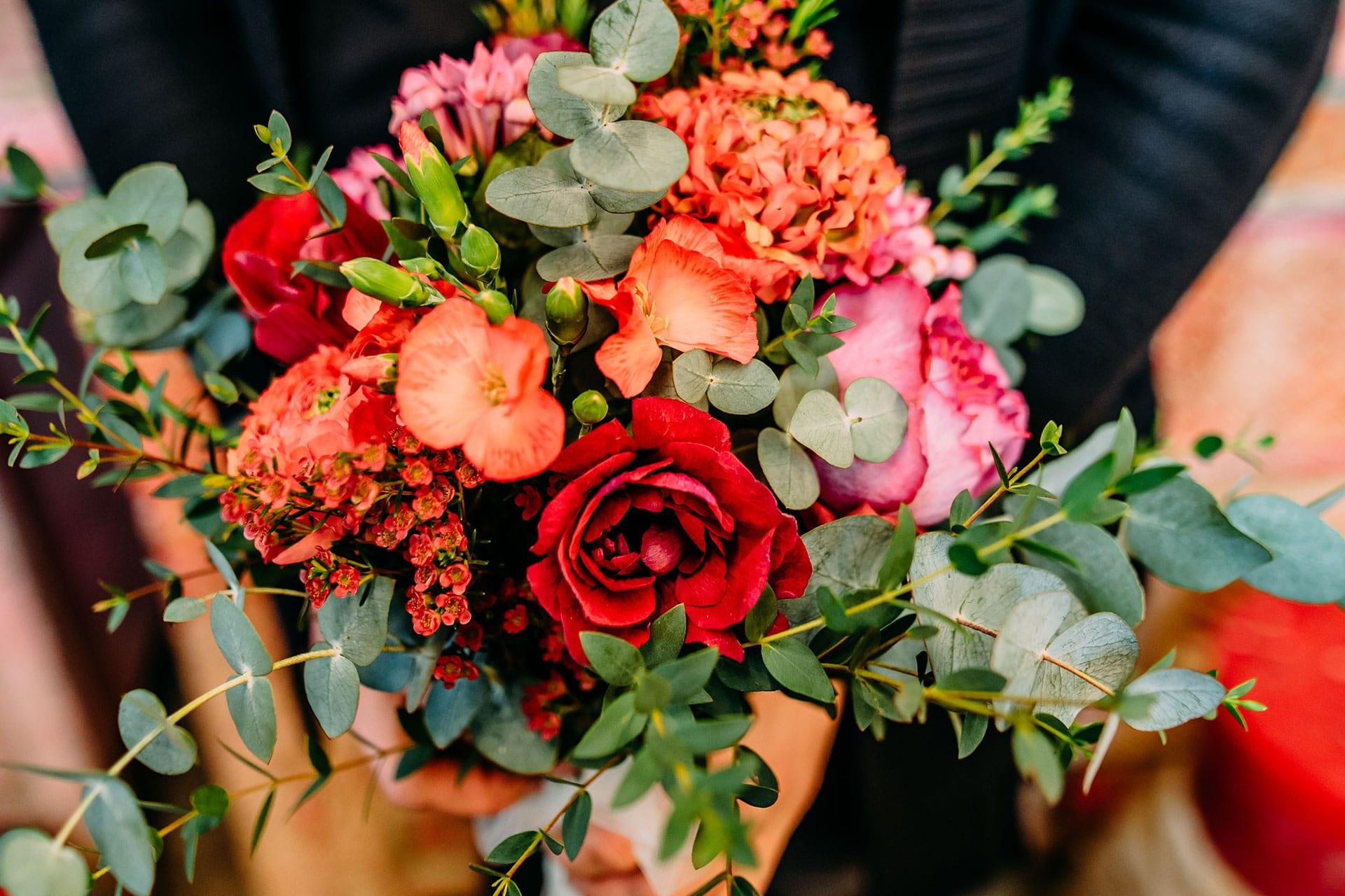 Eleganter Blumenstrauß für Business Events