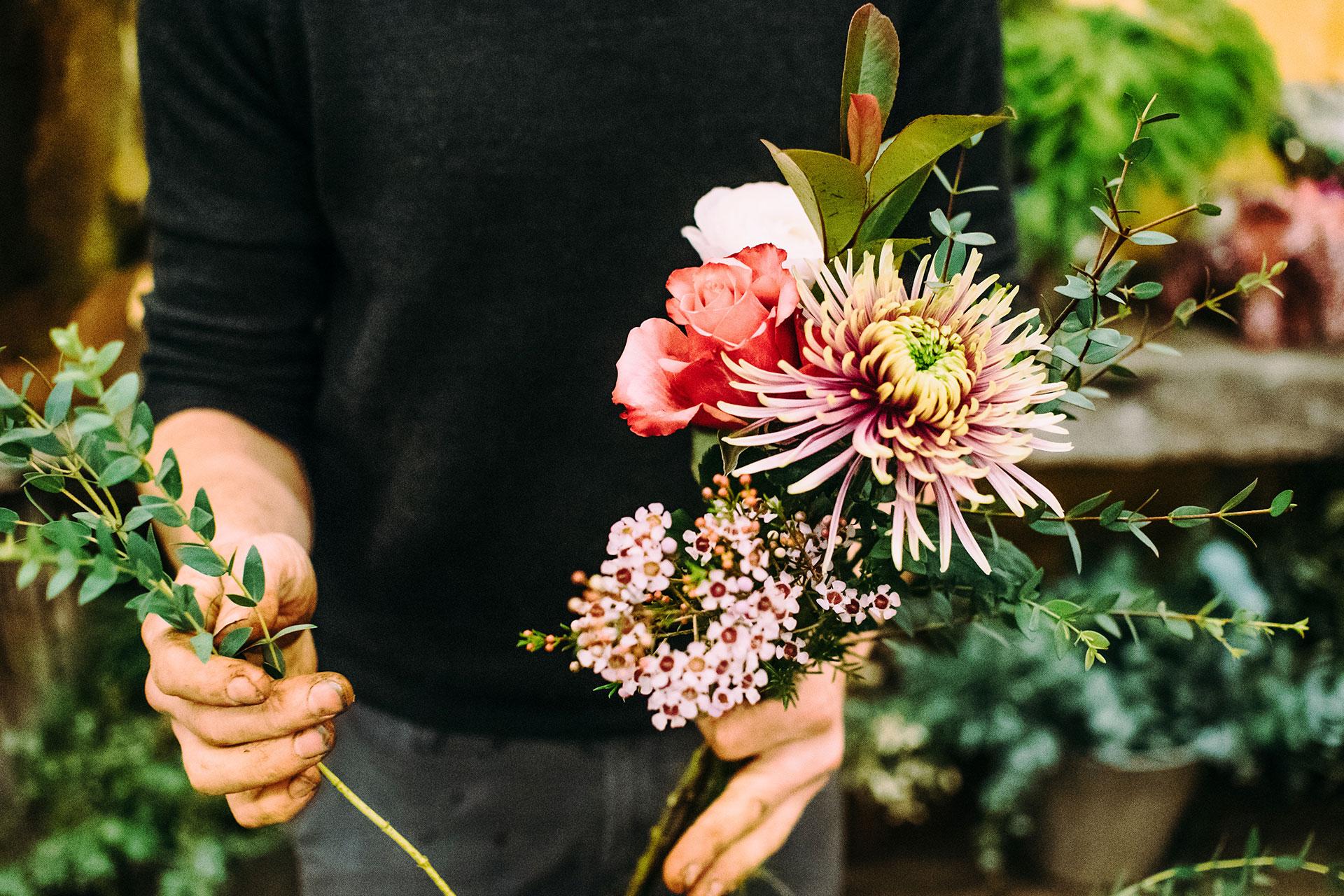 Hochzeitsdeko – Tischdekoration aus Blumen