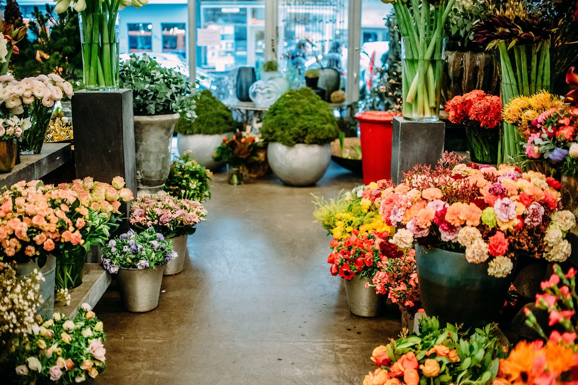 Firmenfeier oder Neueröffnung – Florist für Business Events