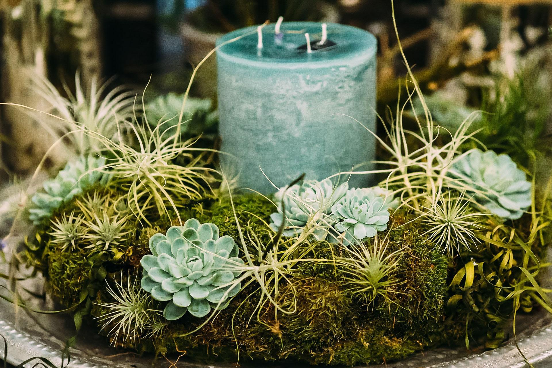 Weihnachtlicher Tischkranz mit Kerze